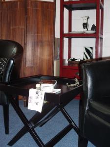 furniture (26 Sep 2012)