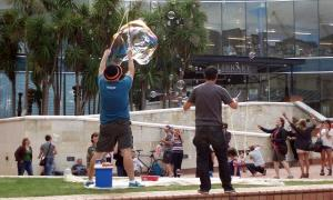 bubble-blowers, Civic Square (30 Mar 2013)