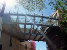 Quake-risk portico: going, going, ... (26 January 2012)